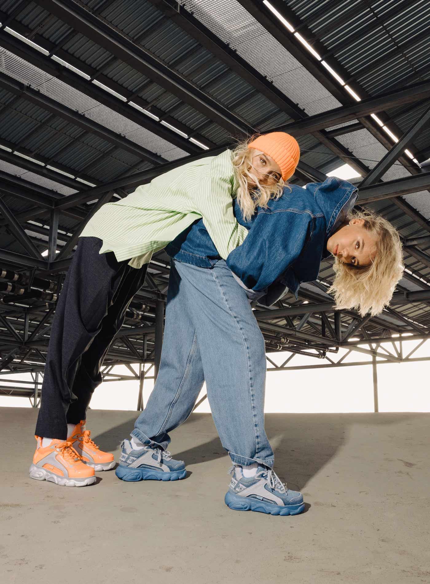 Lisa_and_Lena_Buffalo_Thumb_2